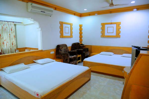 Tirupur lodge palani phone number